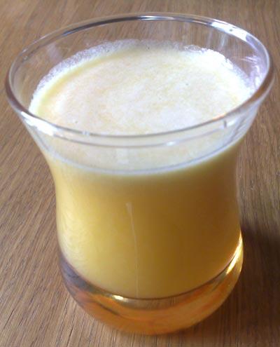 عصير الأناناس و التفاح و الكيوي