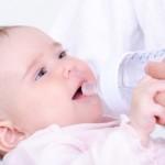 التغذية عند الرضيع في شهره الرابع و الخامس(L'alimentation chez le bébé de 4 et 5 mois)