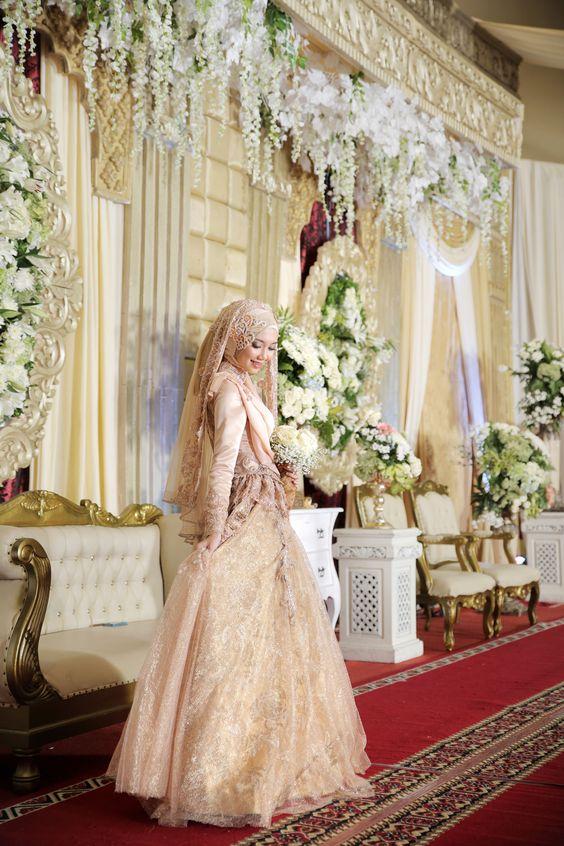 Robe mariée pour les voilées
