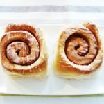 خبيزات رولي بالقرفة Cinnamon rolls
