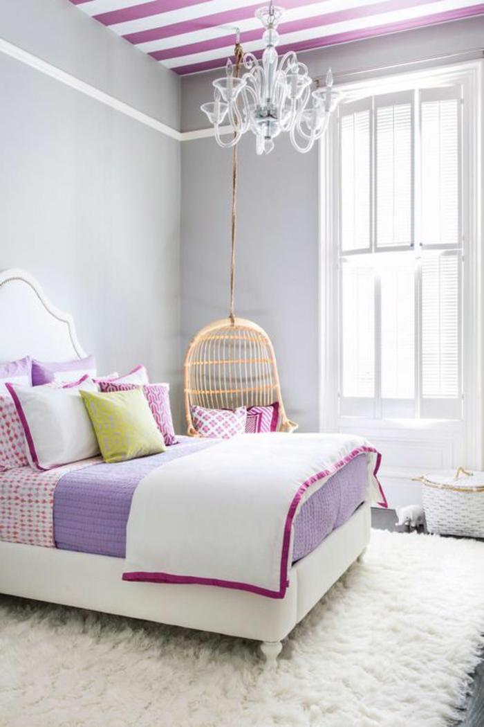 chambre-ado-fille-moderne-belle-violet-blanc-lustre-baroque