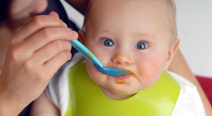 les-repas-de-bebe-a-partir-de-6-mois