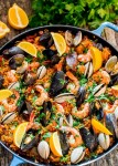 باييا بالدجاج و فواكه البحر Paella