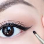 """كيف تزيني عيونك بال""""Eye liner""""كحل العيون"""