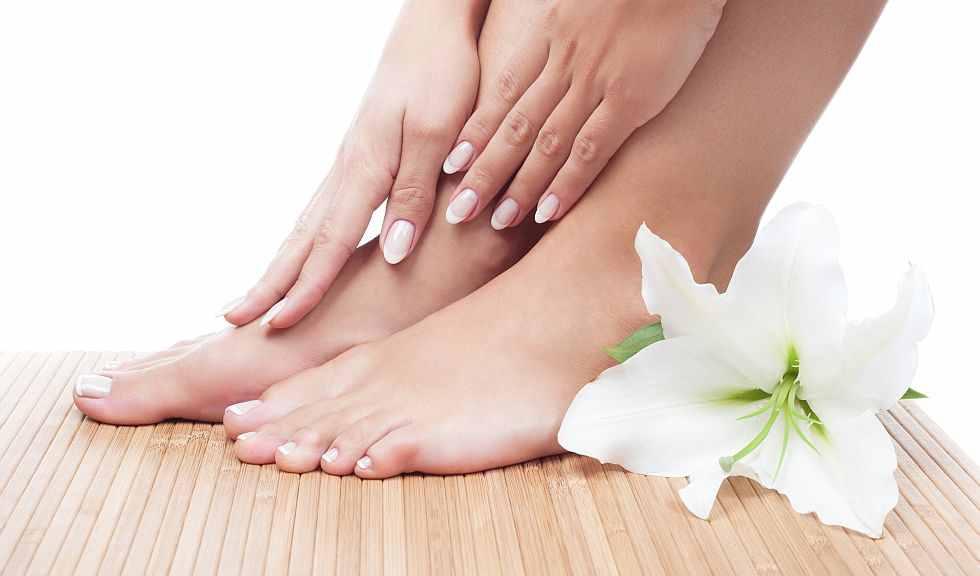 وصفة طبيعية لعلاج تشقق القدمين