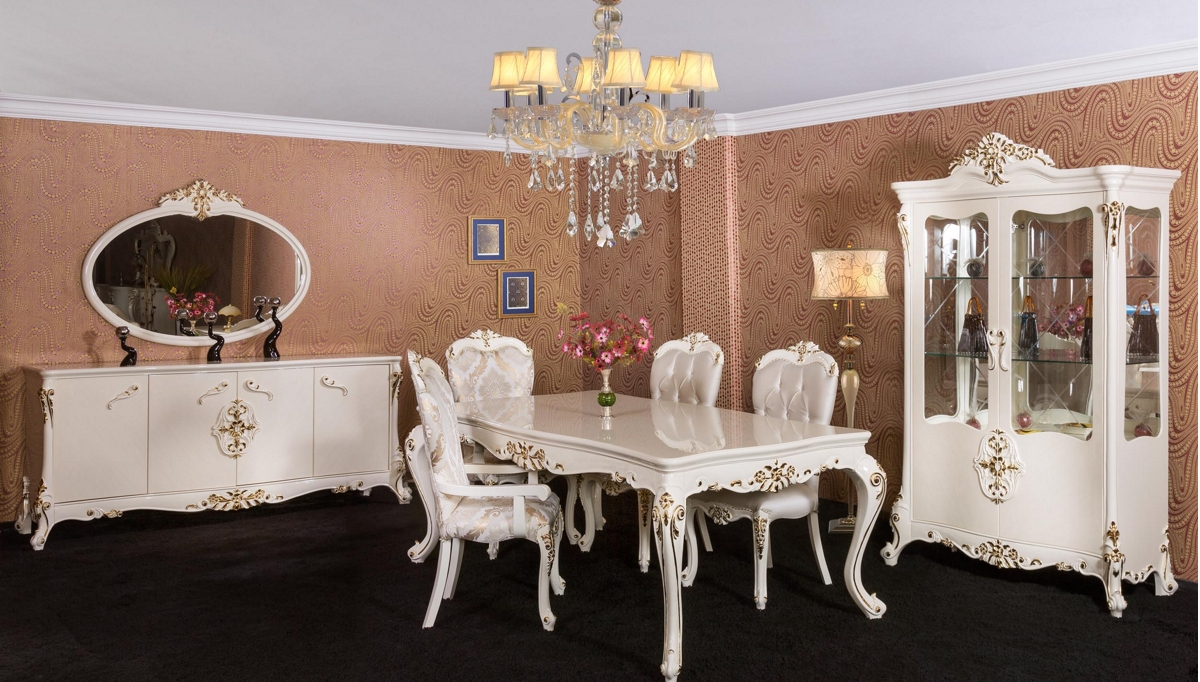 غرف معيشة كلاسيكية باللون الأبيض
