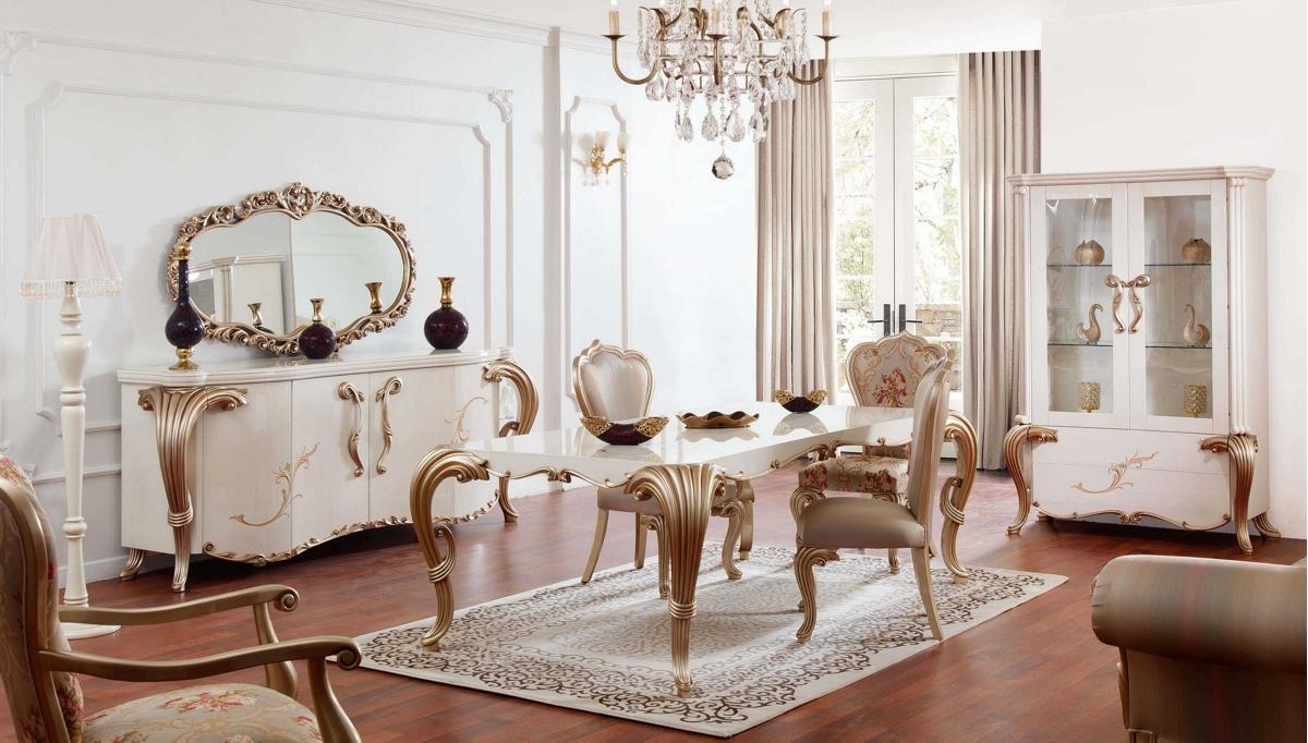 غرفة معيشة على طراز المماليك باللون الذهبي
