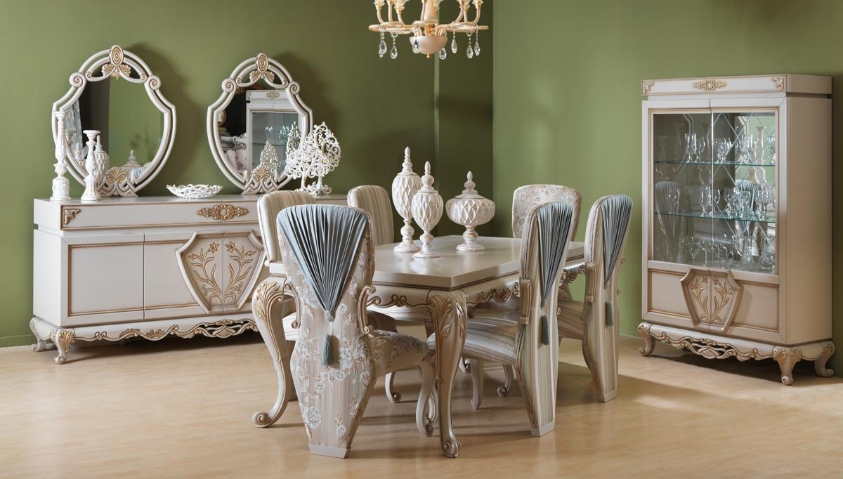 غرفة معيشة كلاسيكية باللون البيج و الرمادي